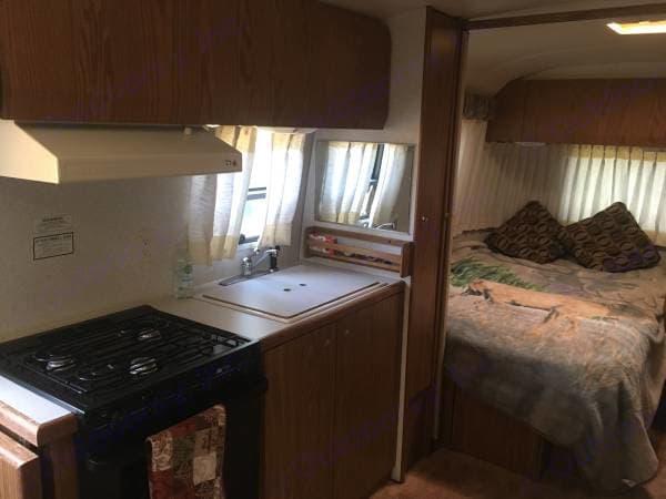 Range and oven!. Airstream Safari 1999