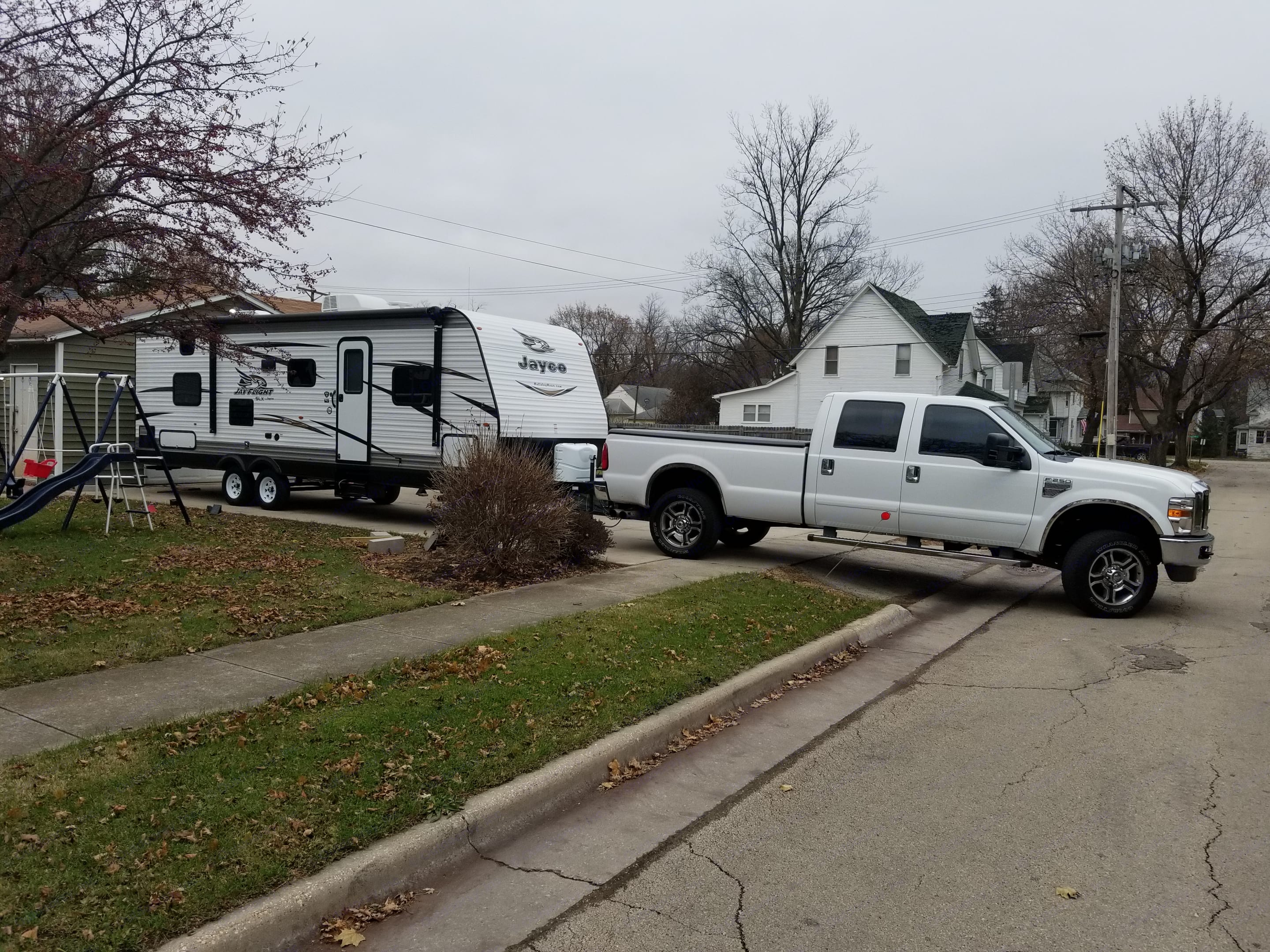 Pulling Out To A Customer. Jayco Jay Flight 2018