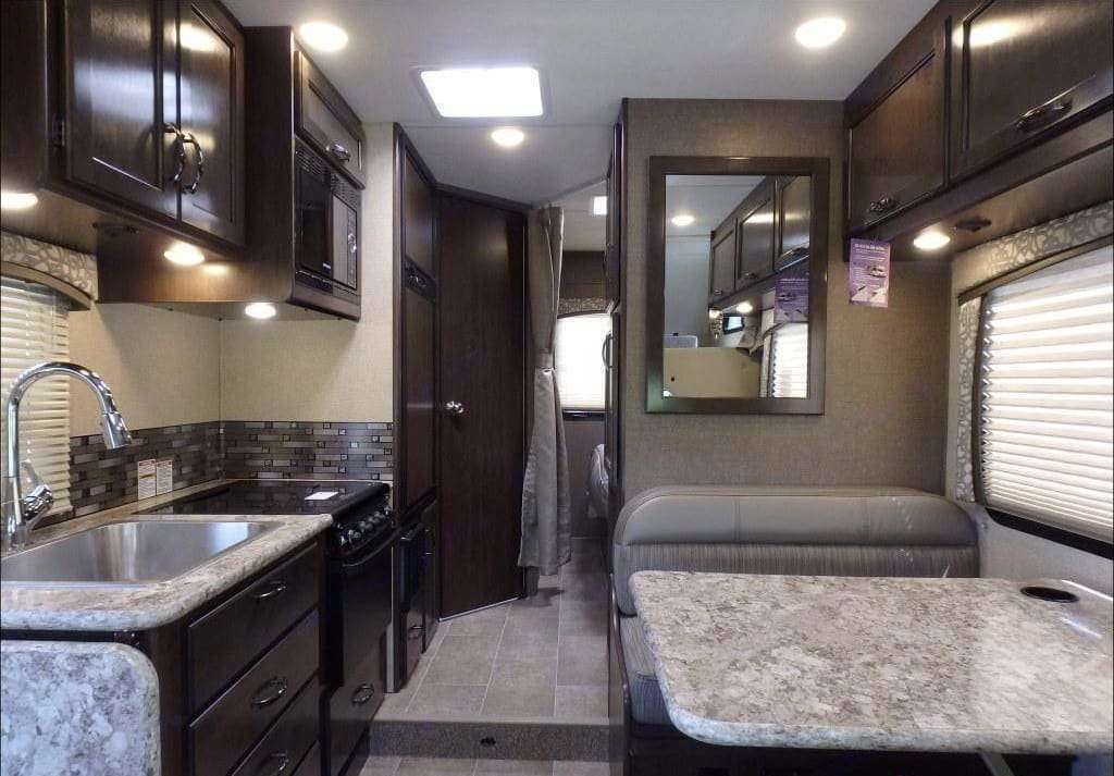 Fully stocked kitchen. Thor Motor Coach Four Winds 2018