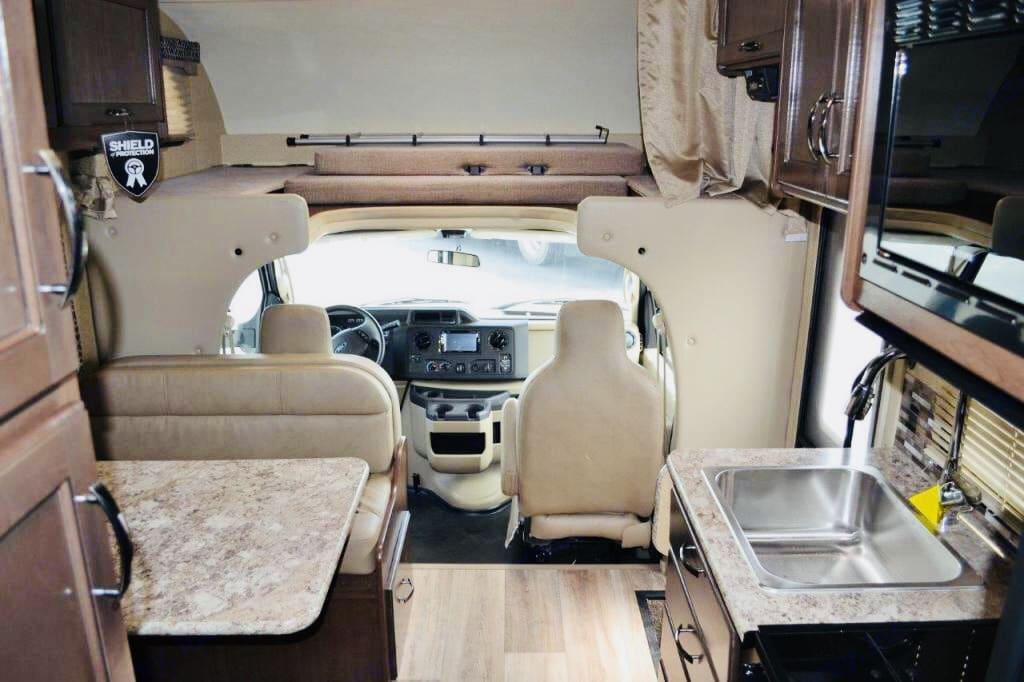 Cockpit and loft bed. Thor Motor Coach Four Winds 2018