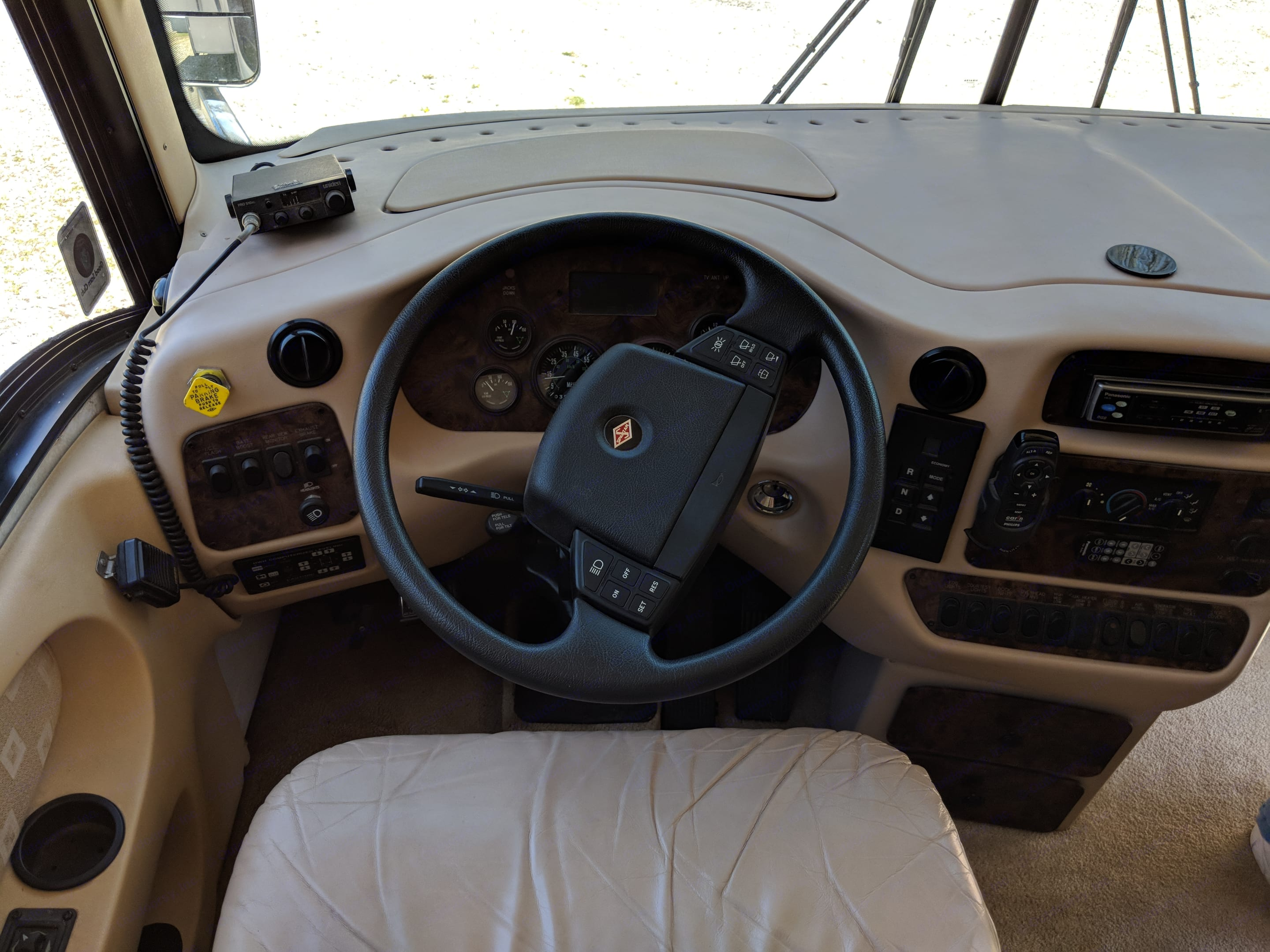 Very comfortable drive!  . Newmar Mountain Aire 2000