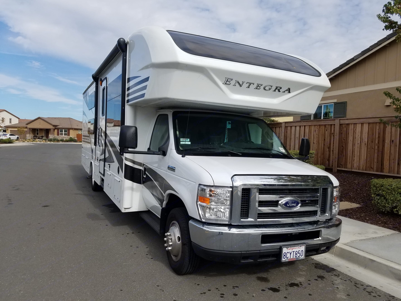 Entegra Coach Odyssey 31L 2018