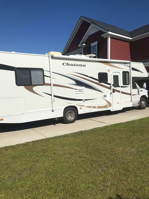 Our rig has everything you need in it to have a great time with your family - whether it's for a tailgate, long weekend, or a long road trip, we've got you covered!. Thor Motor Coach Chateau 2010