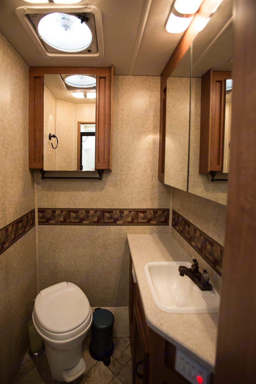 Spacious Bathroom with plenty of storage.. Jayco Greyhawk 2007