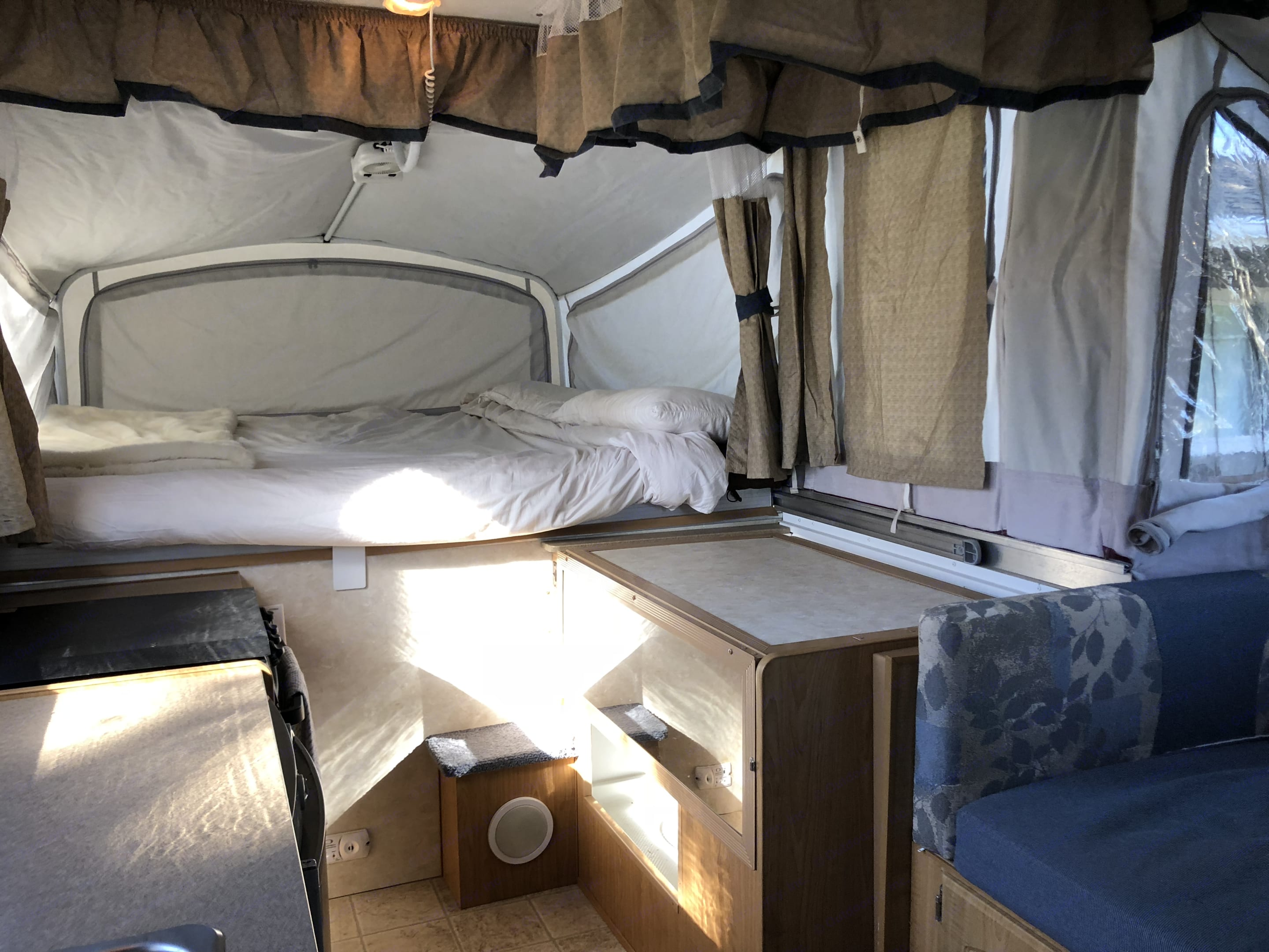 this picture is with the bathroom walls folded down to use as extra counter space. Fleetwood Highlander Niagara 2007