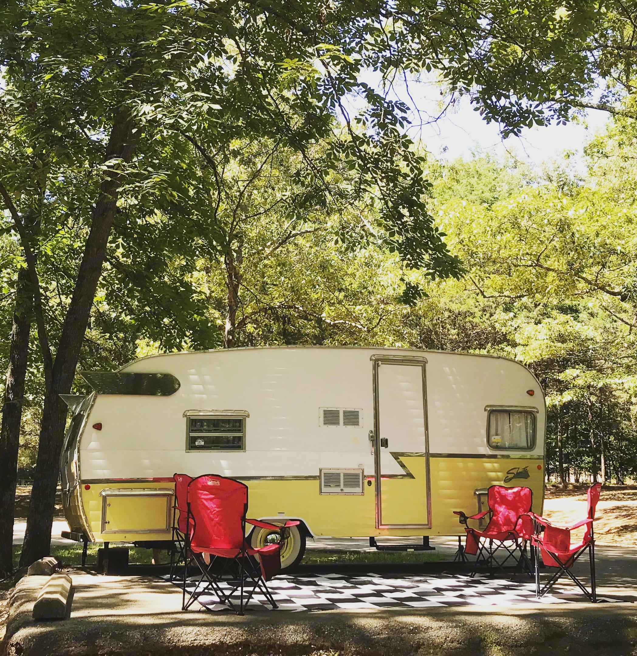 Perfect addition to your next camping adventure!. Shasta Airflyte 2015
