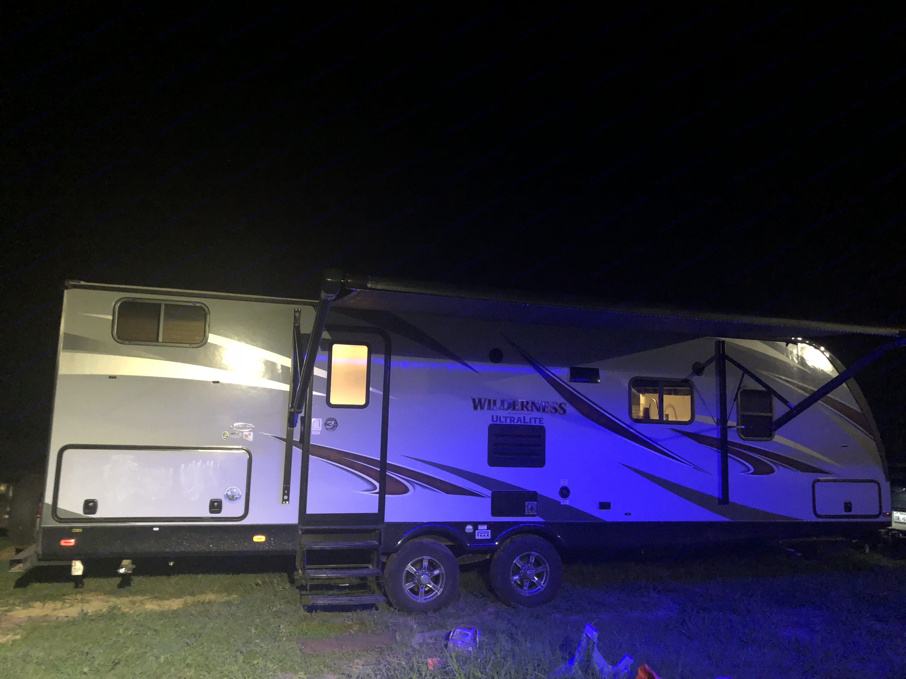 Awning with multiple light changers . Heartland Wilderness 2018