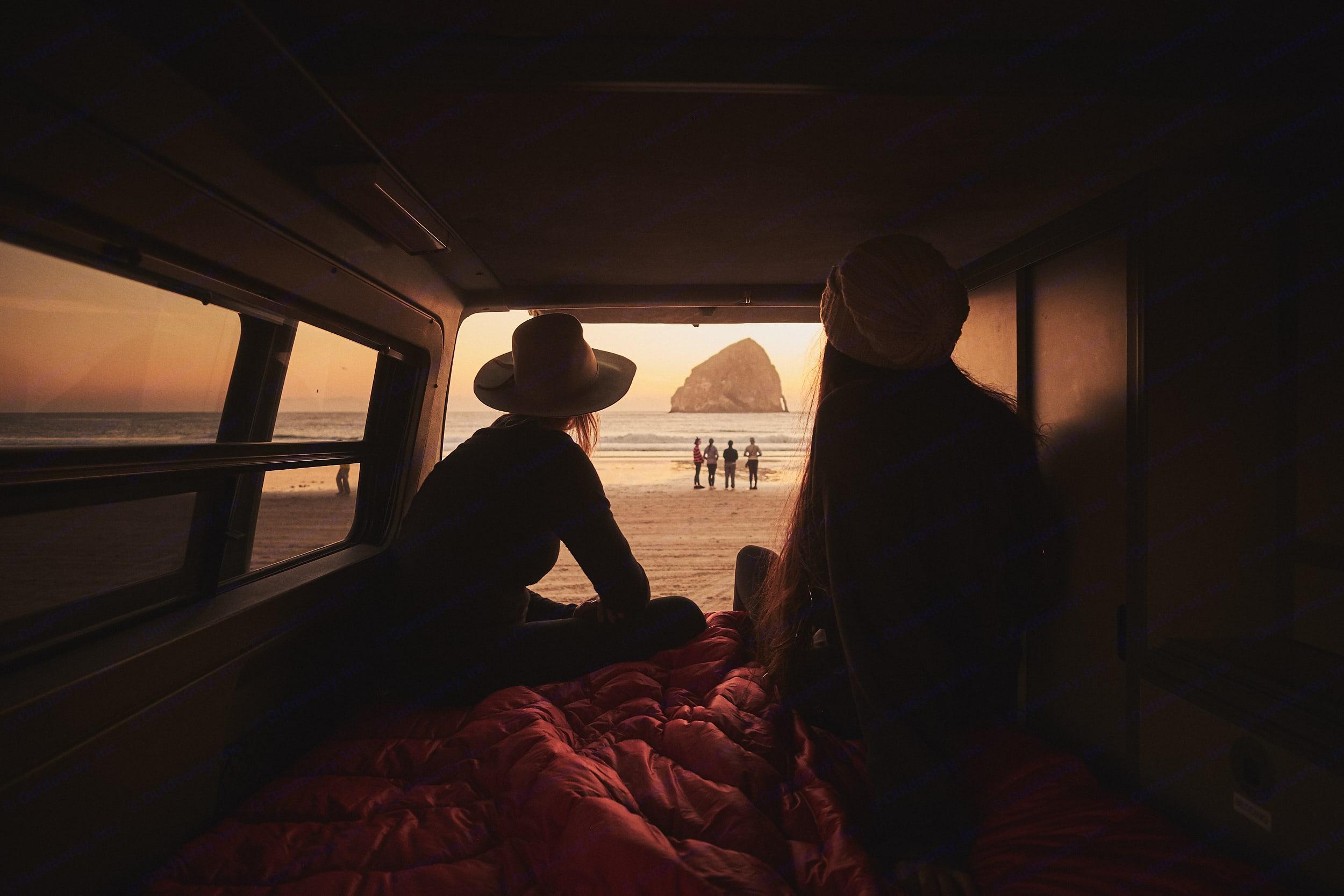 Get the best of the outdoor living in comfort. . Volkswagen Eurovan Camper 1995