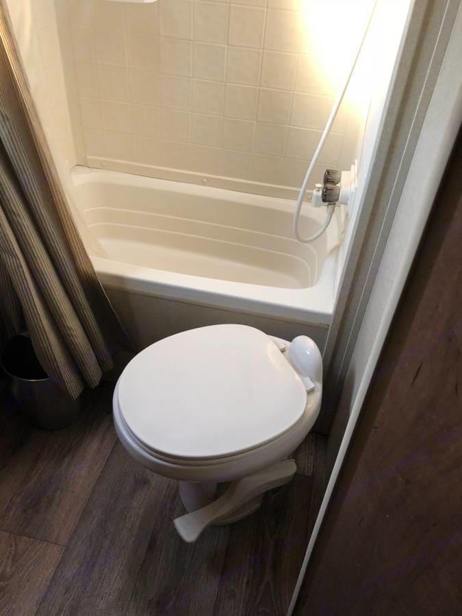 Bathroom. Dutchmen Aspen Trail 2014