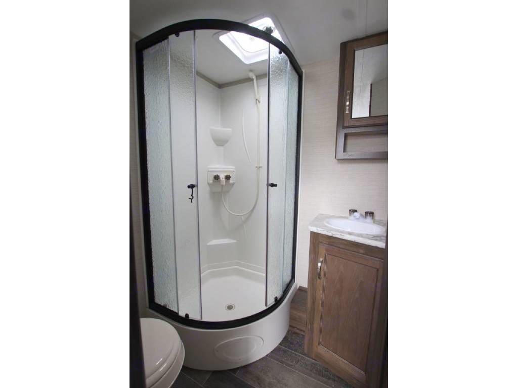 Shower, sink, toilet in this fancy bathroom. Keystone Bullet 2017