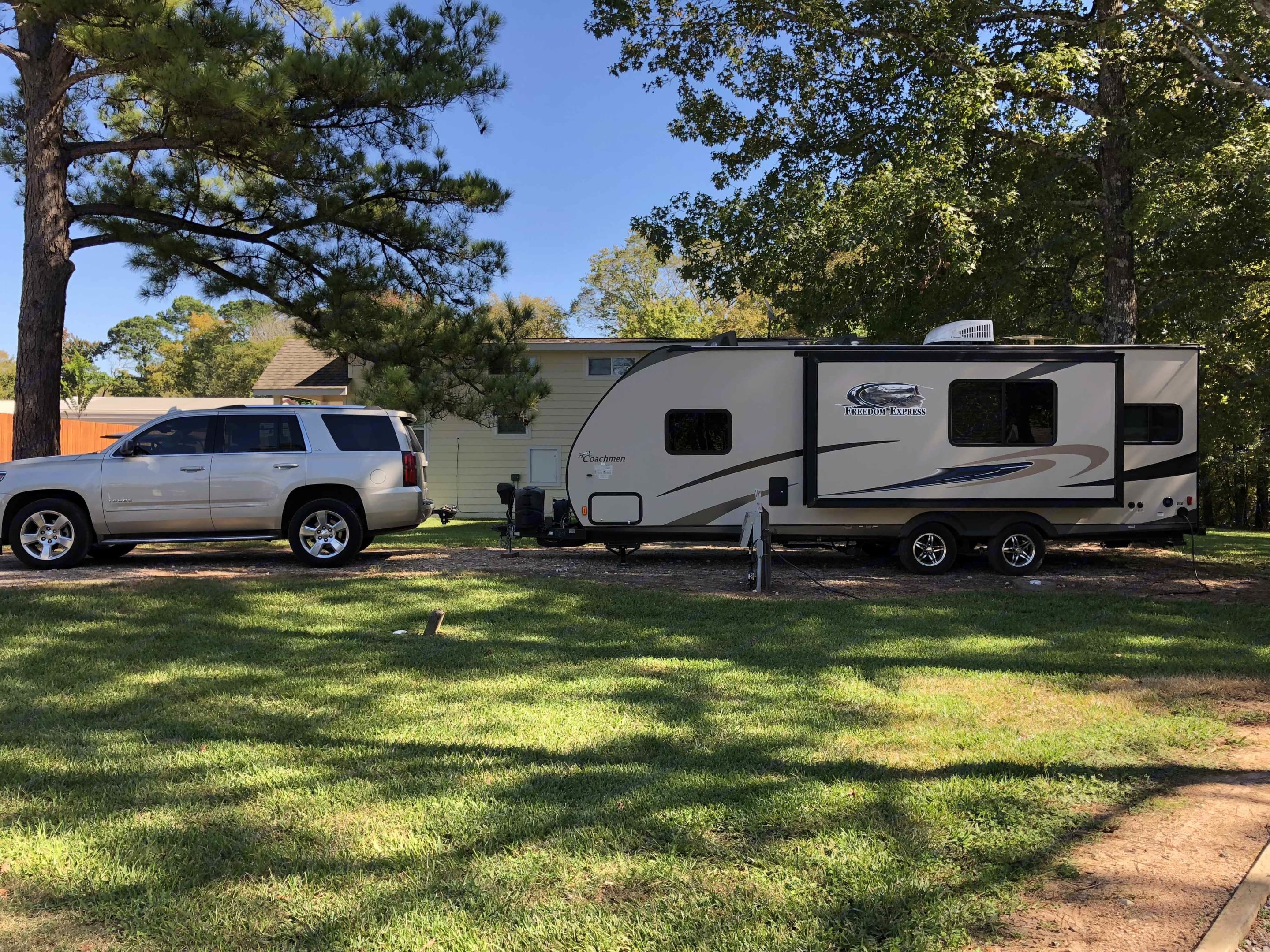 Country Belle can be towed with 1/2 ton vehicles with a towing package and brake controller. It takes a 7-pin round plug. . Coachmen Freedom Express 2015
