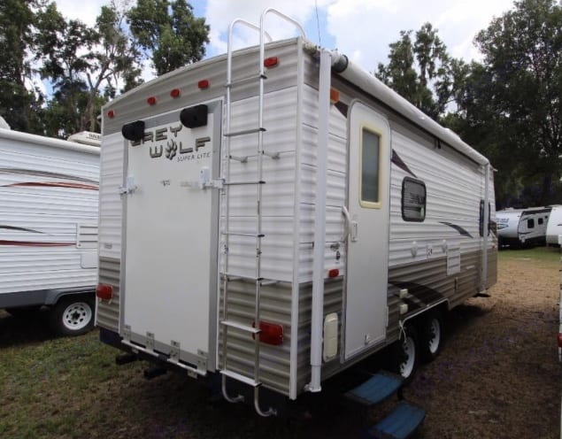 Forest River Cherokee Grey Wolf 19RR 2010