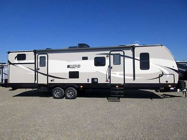 We supply hitches for towing. . Cruiser Rv Corp Cruiser 2016
