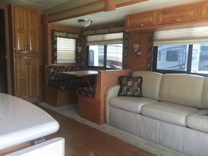 Living Room . Newmar Canyon Star 2009