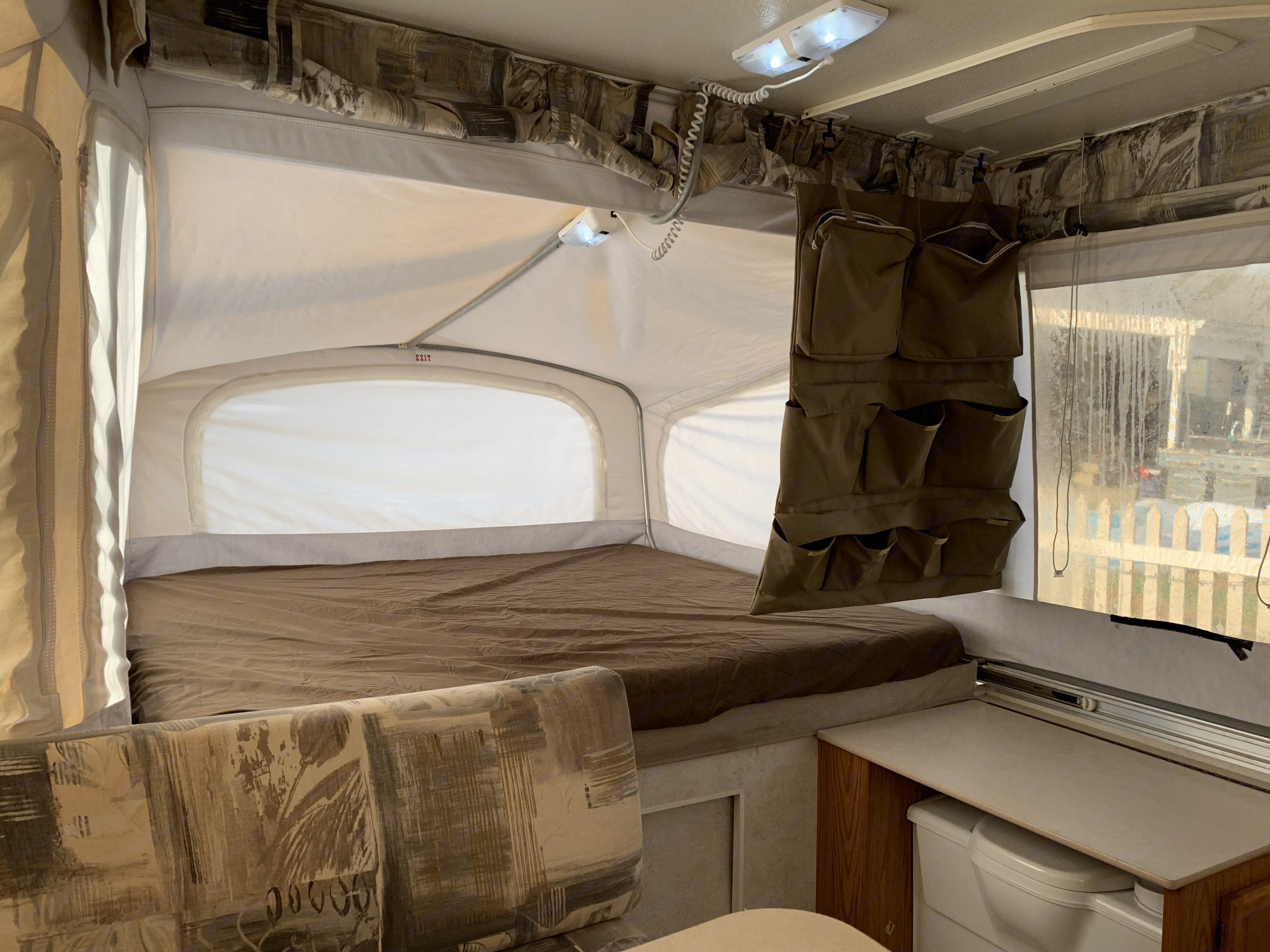 King size beds with windows and privacy shades. . Jayco Heritage Cascade 2001