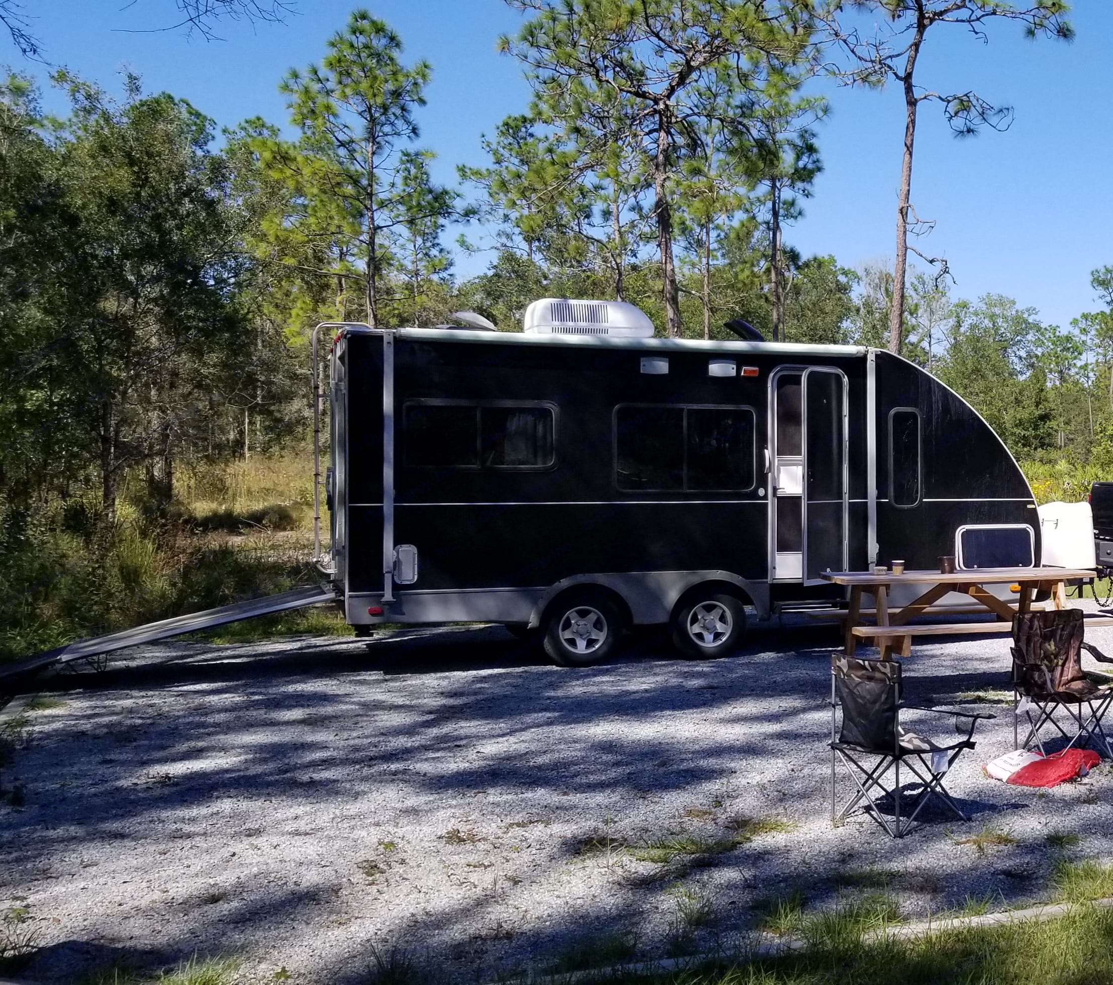 FUN AND EASY TO TOW TOY HAULER - SLEEPS 4+.  TRAVEL FLORIDA IN STYLE AND COMFORT! CAMP ON THE BEACH OR IN FLORIDA'S BEAUTIFUL PARKS!. Keystone Hobbi 2007