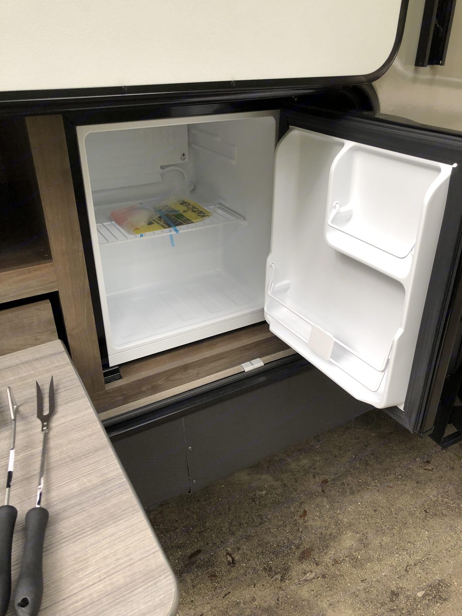 Outdoor kitchen refrigerator. (electric). Coleman 2835BH 2018