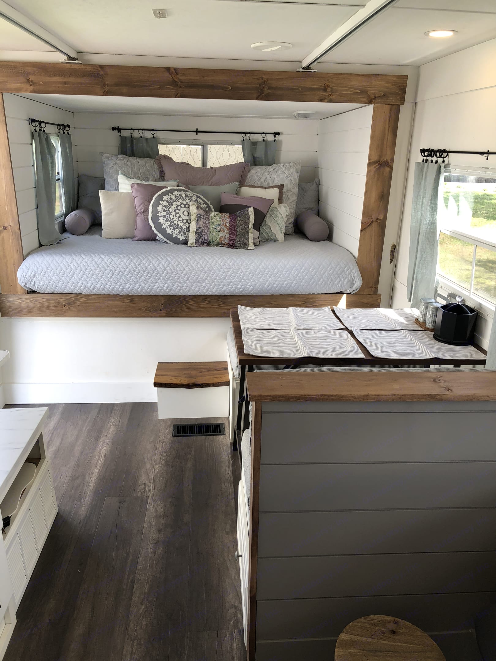 A cozy retreat awaits you! . Keystone Outback 2004