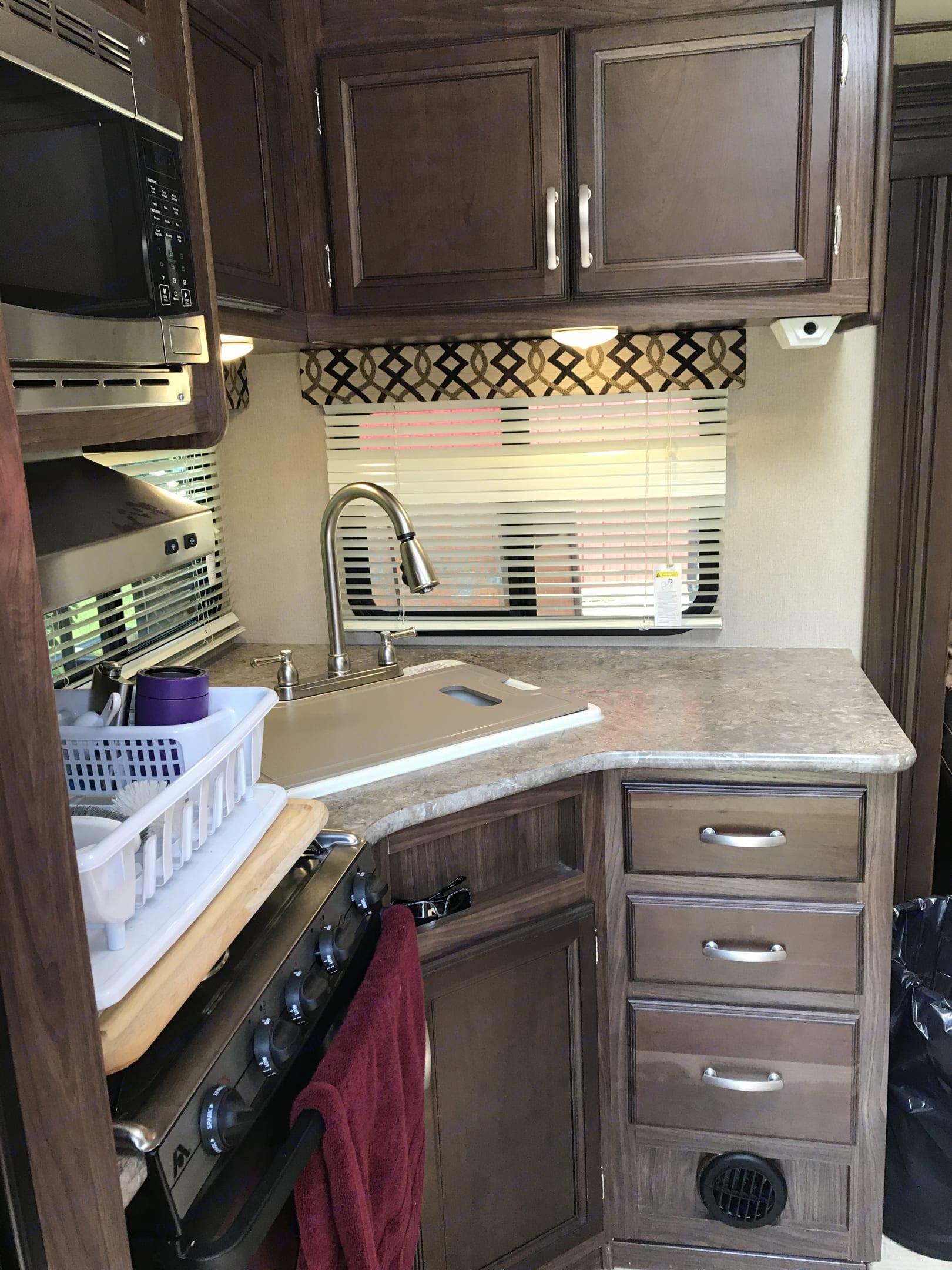 Kitchen . Keystone 2462RK 2017