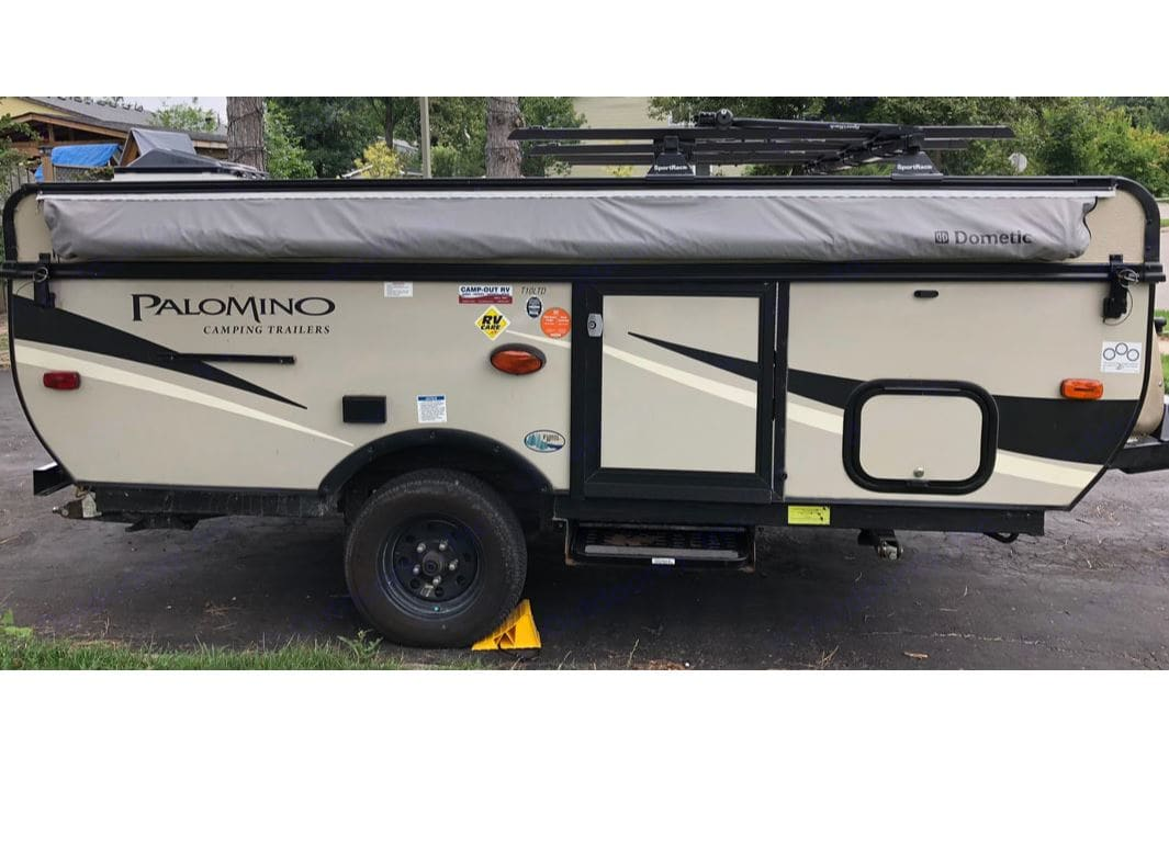Camper in the box travelling position with 4 Bikes Roof Rack.. Palomino Real-Lite 2017