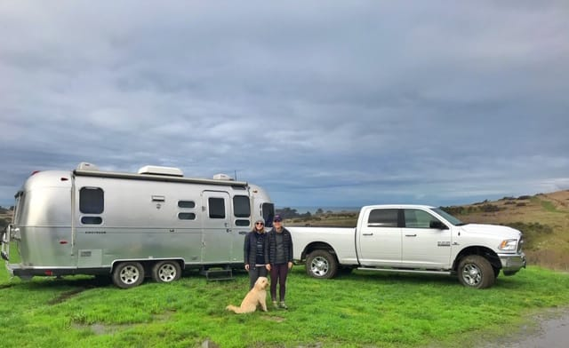 Bring your buddies along! (Pup not included.). Airstream Safari 2008