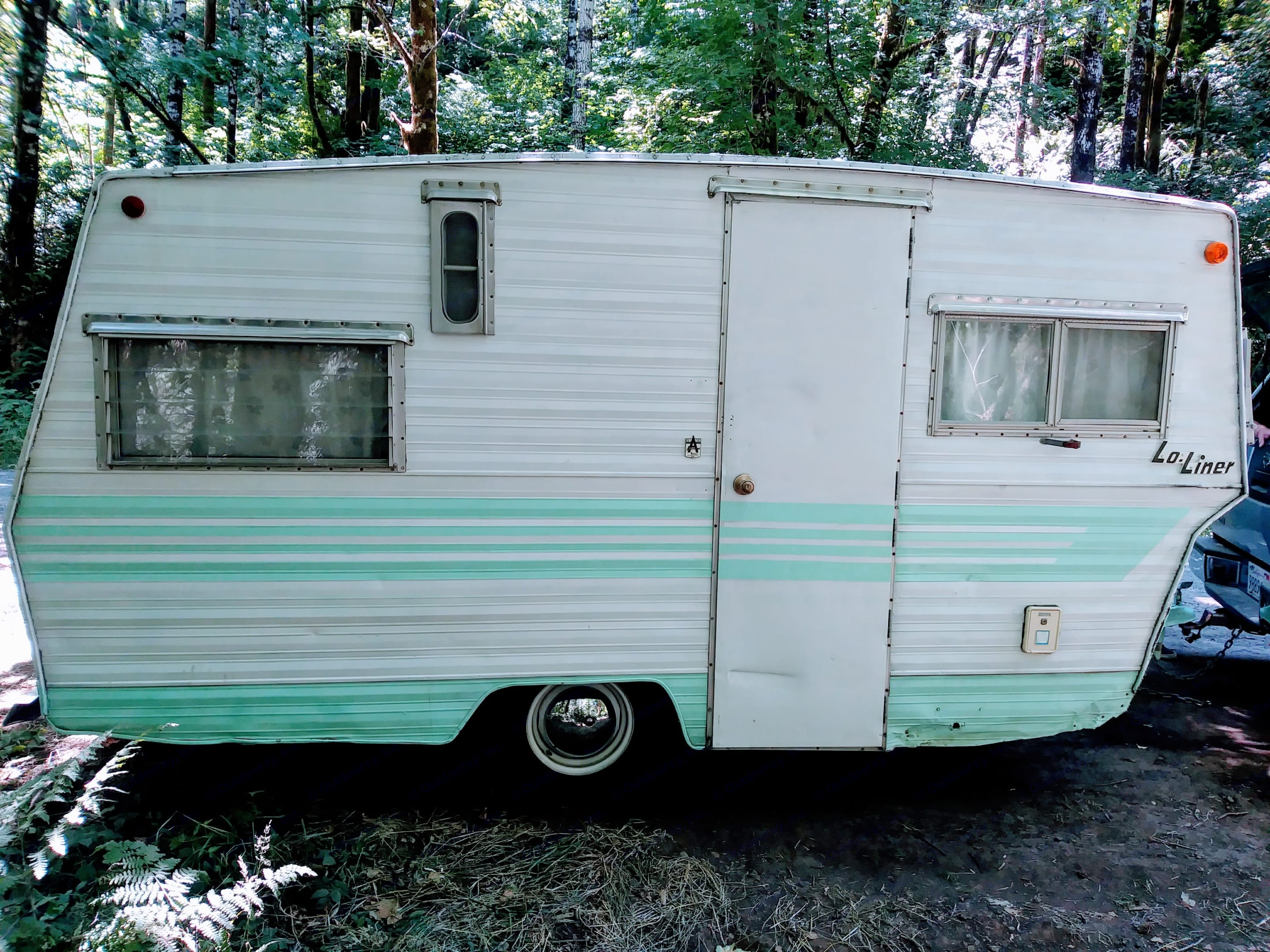 '68 all original means some peeling paint and dents on the outside, but she is solid, stylish, and comfy on the inside.. Aristocrat Lo-Liner 1968