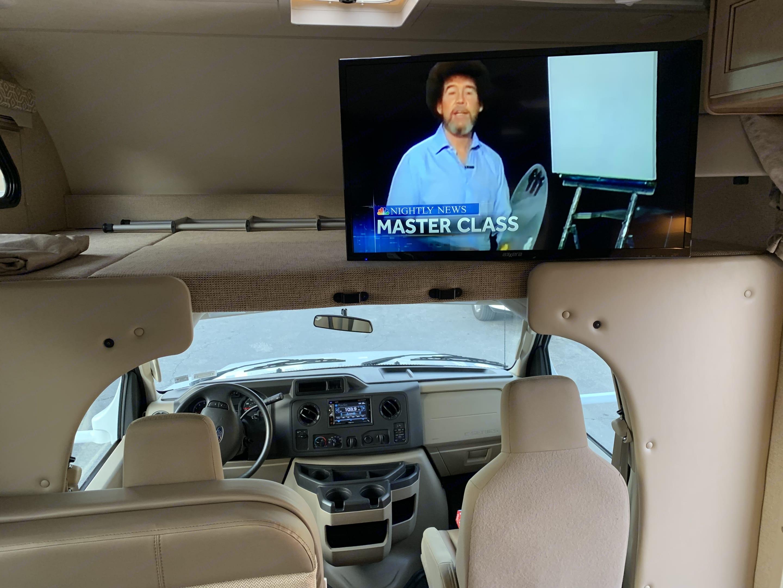 "40"" flatscreen tv . Thor Motor Coach Freedom Elite 2018"