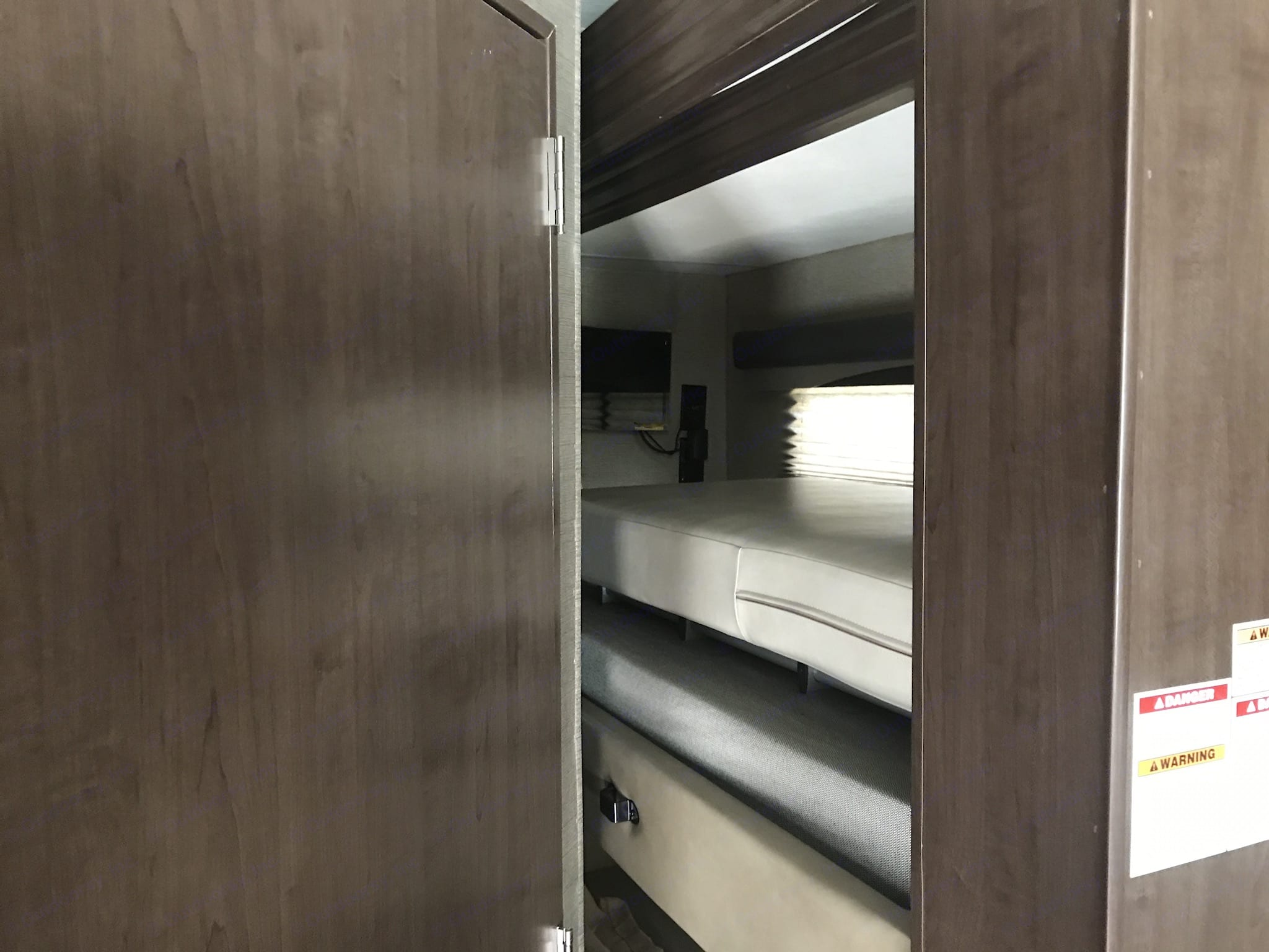 Bunk beds. Thor Motor Coach A.C.E 2018