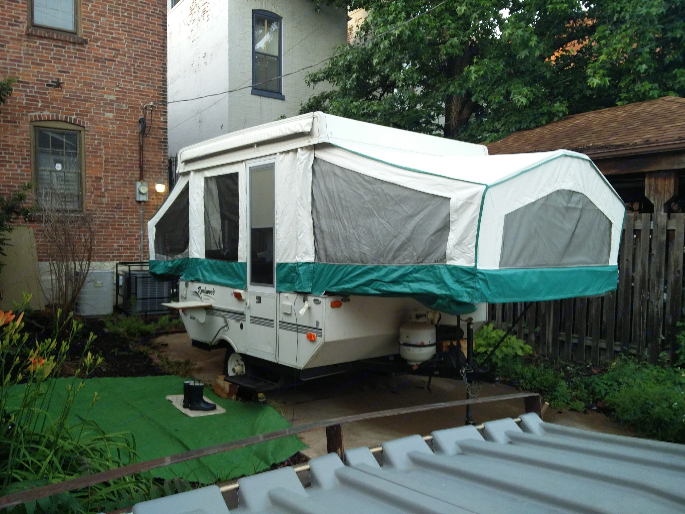 A well-maintained camper, easy to tow, park, set-up, and take-down. Has levelling feet, LP tank, 20 gallon fresh-water tank. Forest River Rockwood Freedom 2003