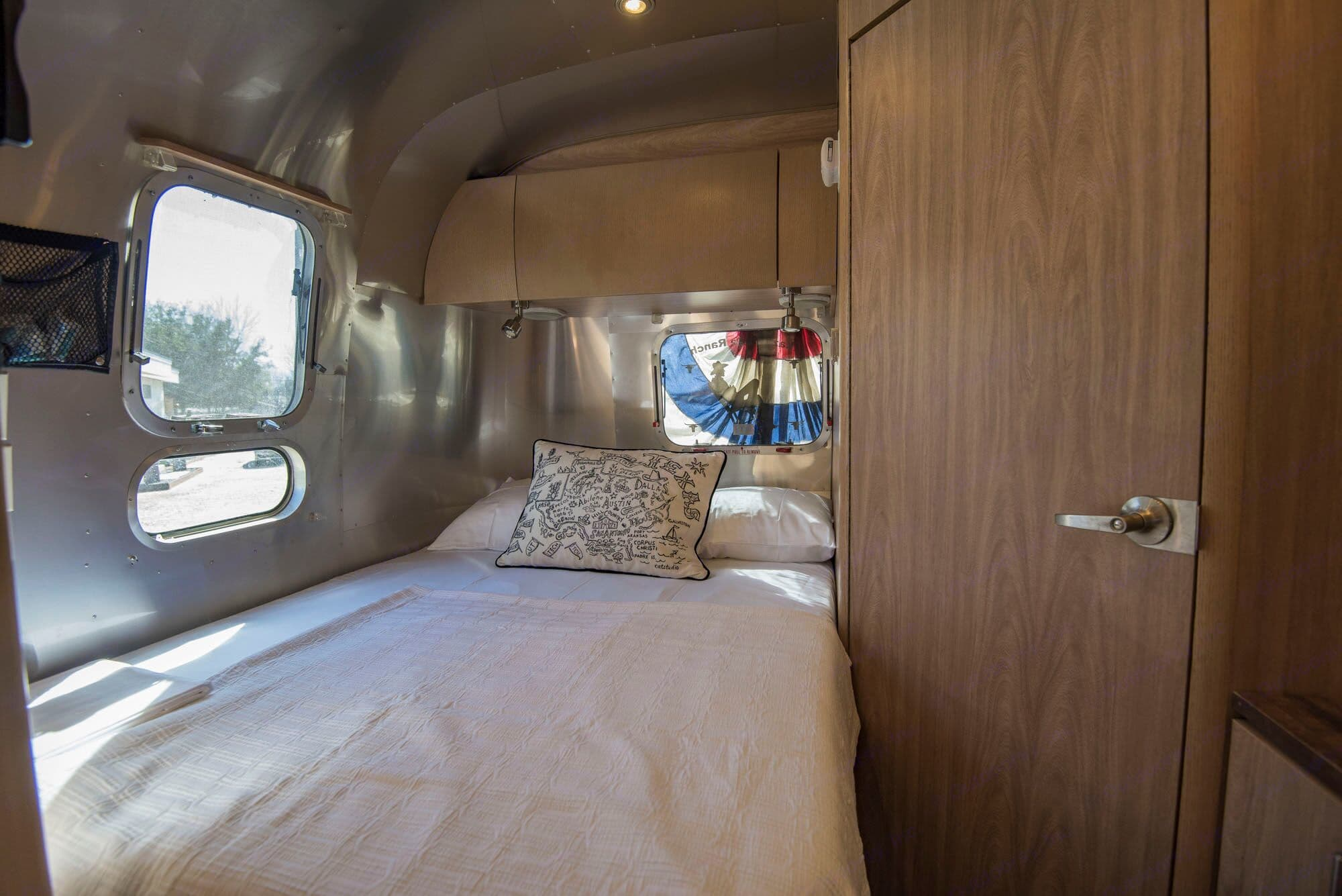 Luxury Bedding and memory foam mattress,. Airstream Safari 2006