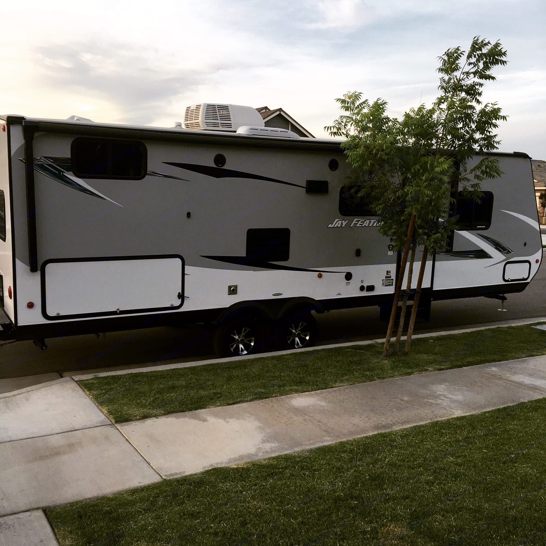 Packed and ready to roll. Jayco Jay Feather 25BH 2017