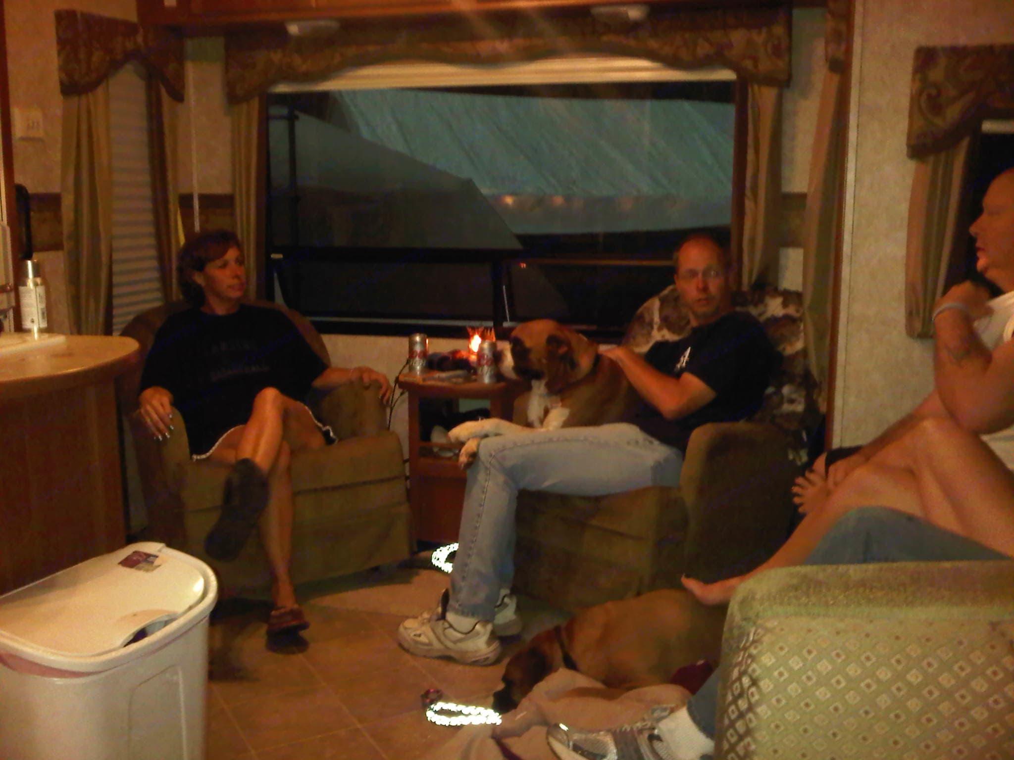 Theater sound system.. Keystone Montana Mountaineer 2006