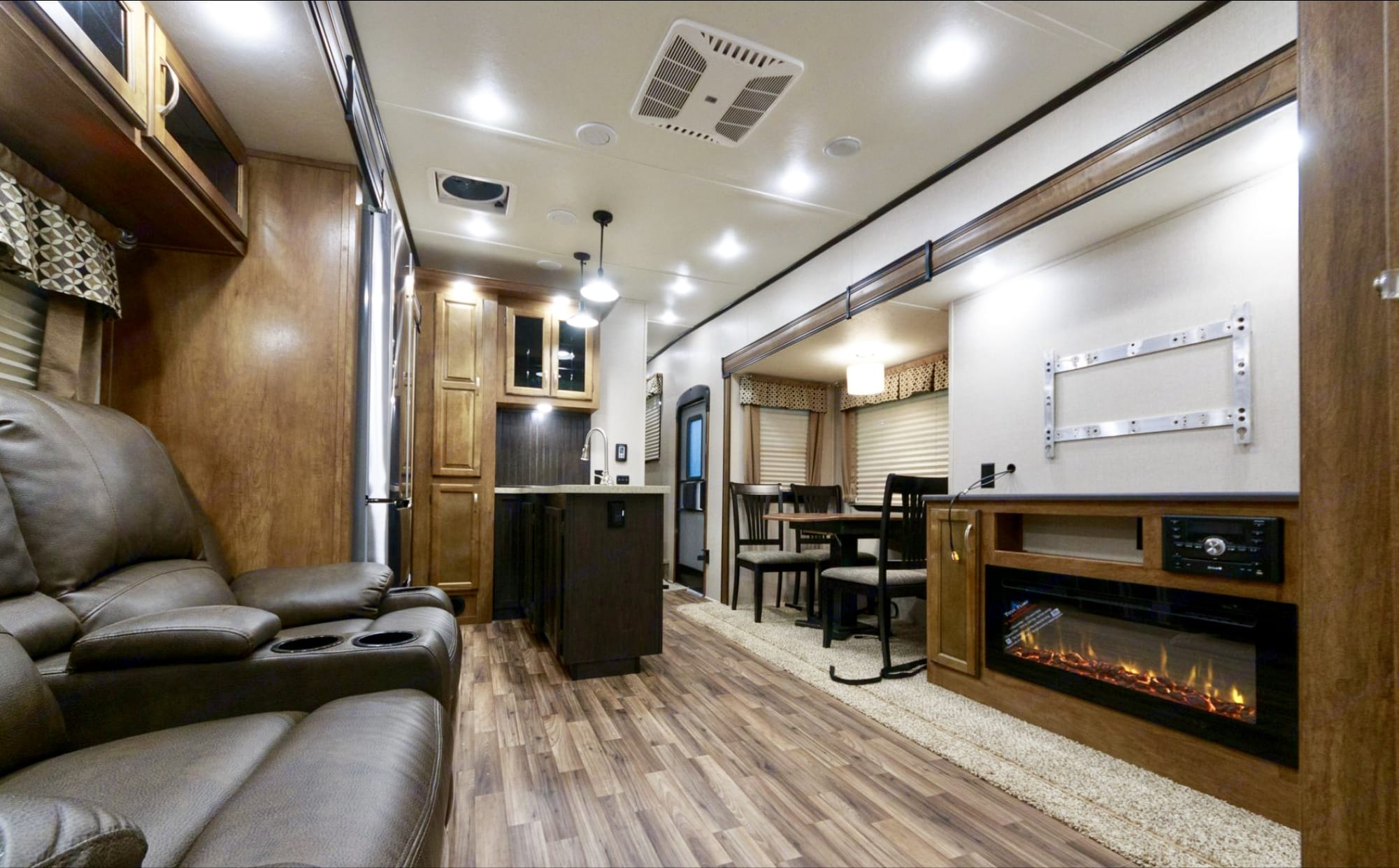 2019 Coachmen Chaparral 373mbrb Fifth Wheel Rental In Long Beach Ca Outdoorsy