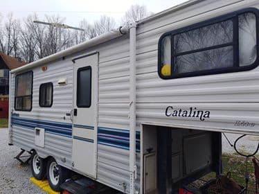Basic Camper. Coachmen Catalina 1995