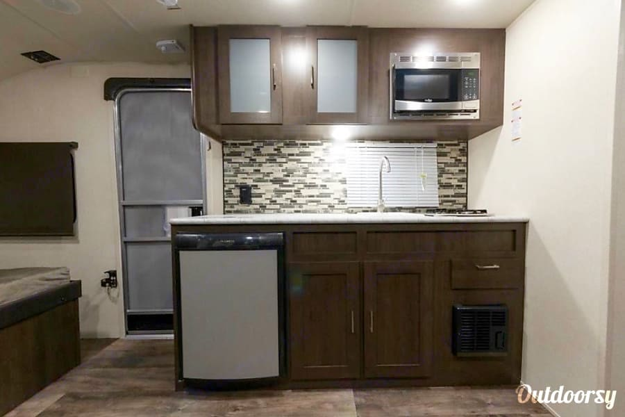 Full kitchen. . Salem 190SS 2018
