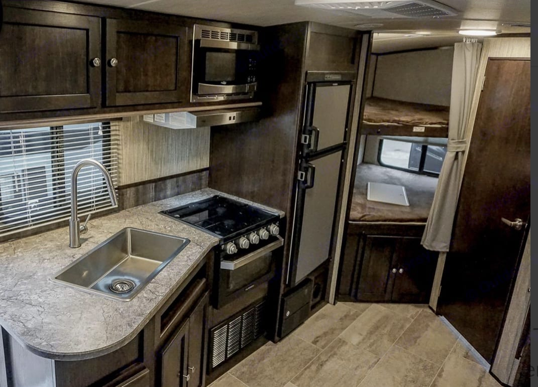 Beautiful 2018 brand new heartland Sundance trailer.  Well maintained and cleaned.  Sure to make any camping trip a memorable one!. Heartland Sundance 2018