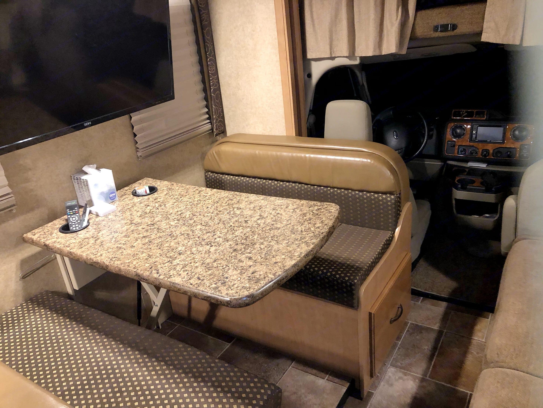 Comfortable eating area. Thor Motor Coach Chateau 2016