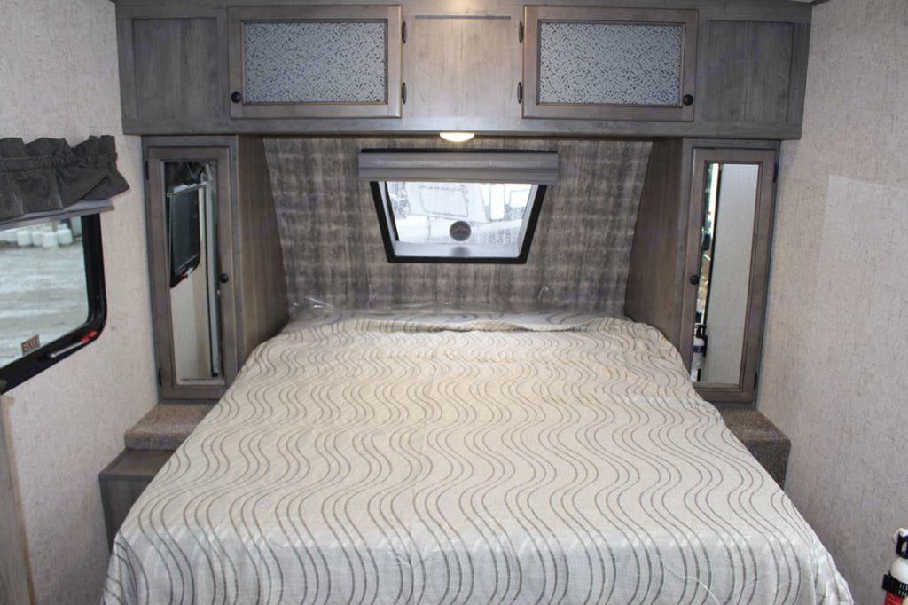 Master Bed. Coachmen Apex 208BHS 2021