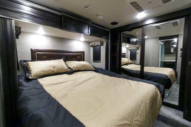Master Bedroom with King bed with plush mattress. Keystone Raptor 2016