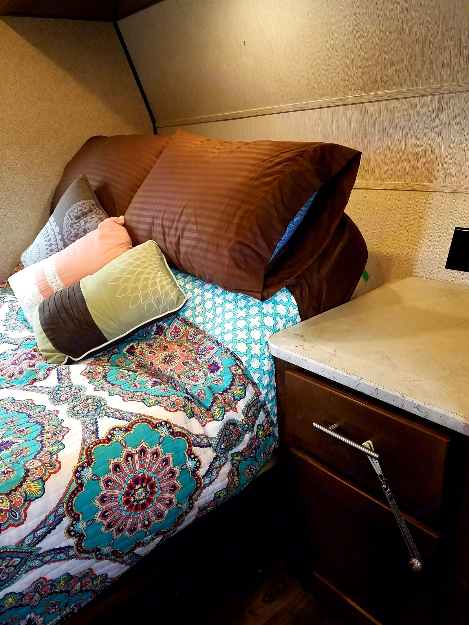 Tilt bed.. Heartland Terry Classic V21 2018
