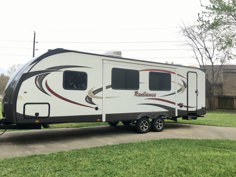 backside of trailer showing full length living area slide out. Cruiser Rv Corp Radiance 2016