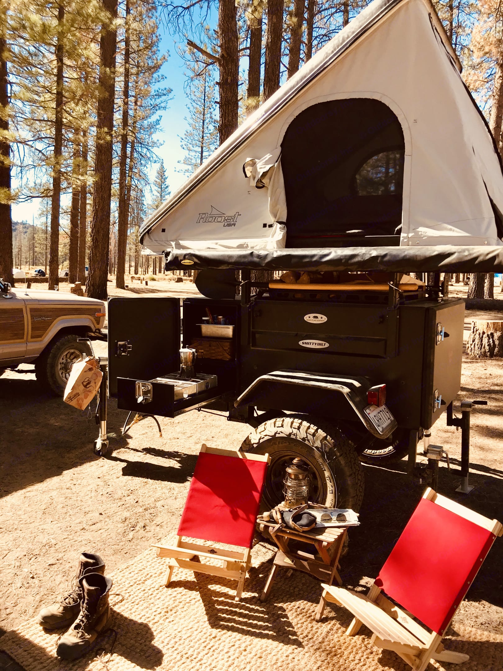 Deployed Roost Tent and Trailer. smittybilt scout 2018