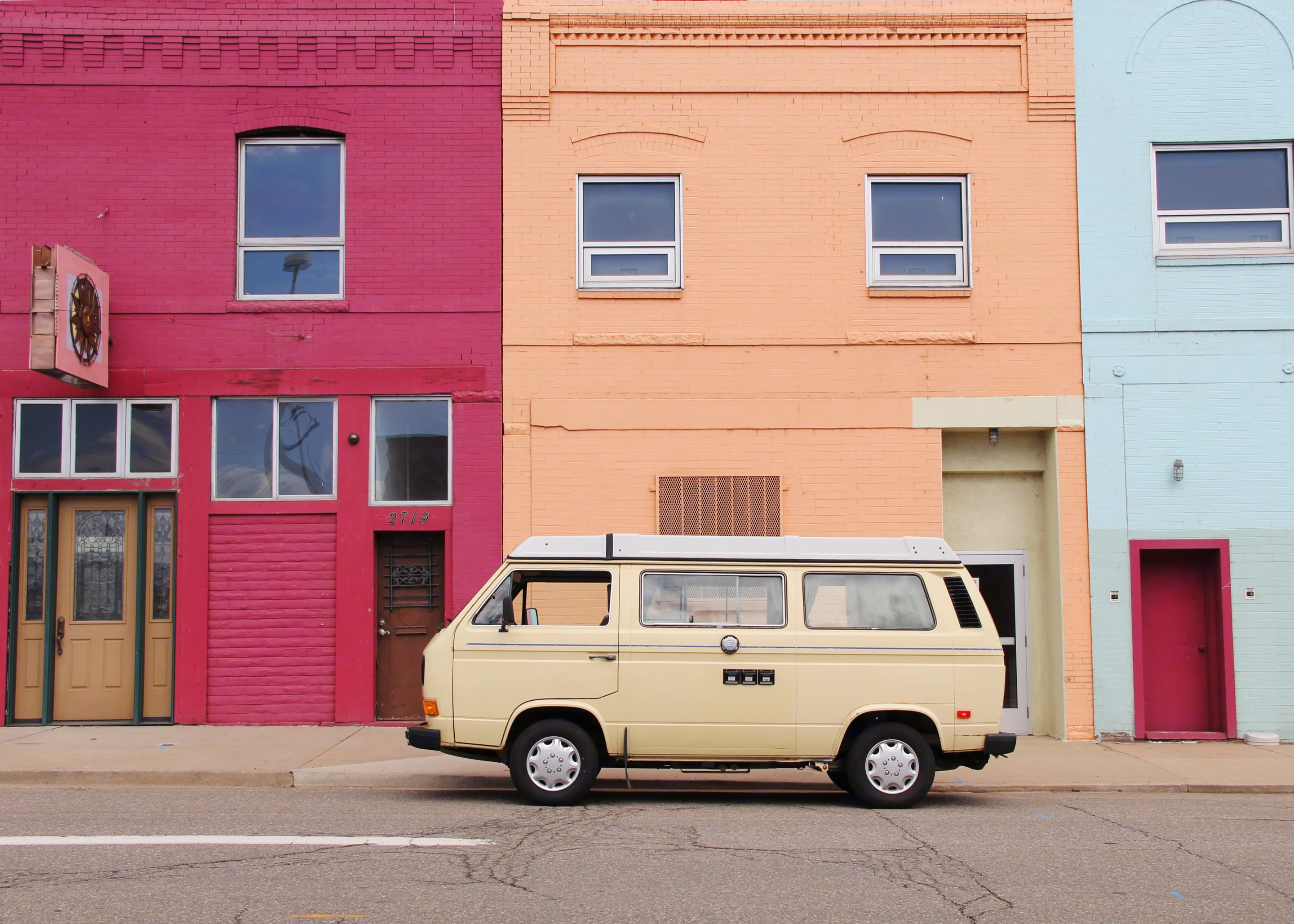 With a soft yellow exterior, Eleanor's a ray of sunshine on any day.. Volkswagen Vanagon 1983