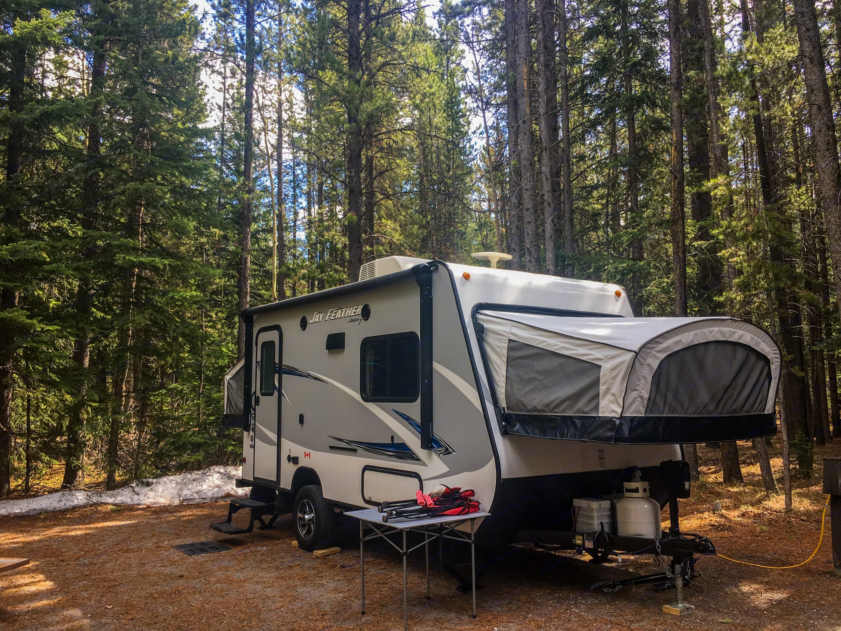 Fully expanded. Nimble that fits smaller sites where most trailers can't. Yet spacious, allowing 4 people to sleep without using dining area.. Jayco Jay Feather Ultra Lite 2017