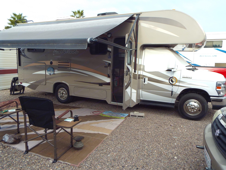 Thor Motor Coach Four Winds 2014