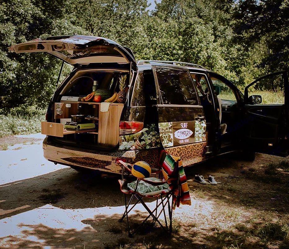 Surfcamper trip. toyota Previa 2005