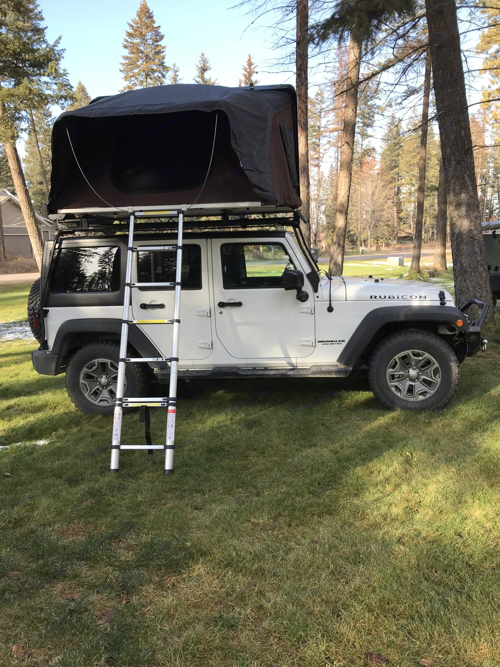 Our Jeeps come equipped with iKamper roof top tents.  Simple to open and just as easy to close. . Jeep JKU  4 door Jeep Rubicon 2017