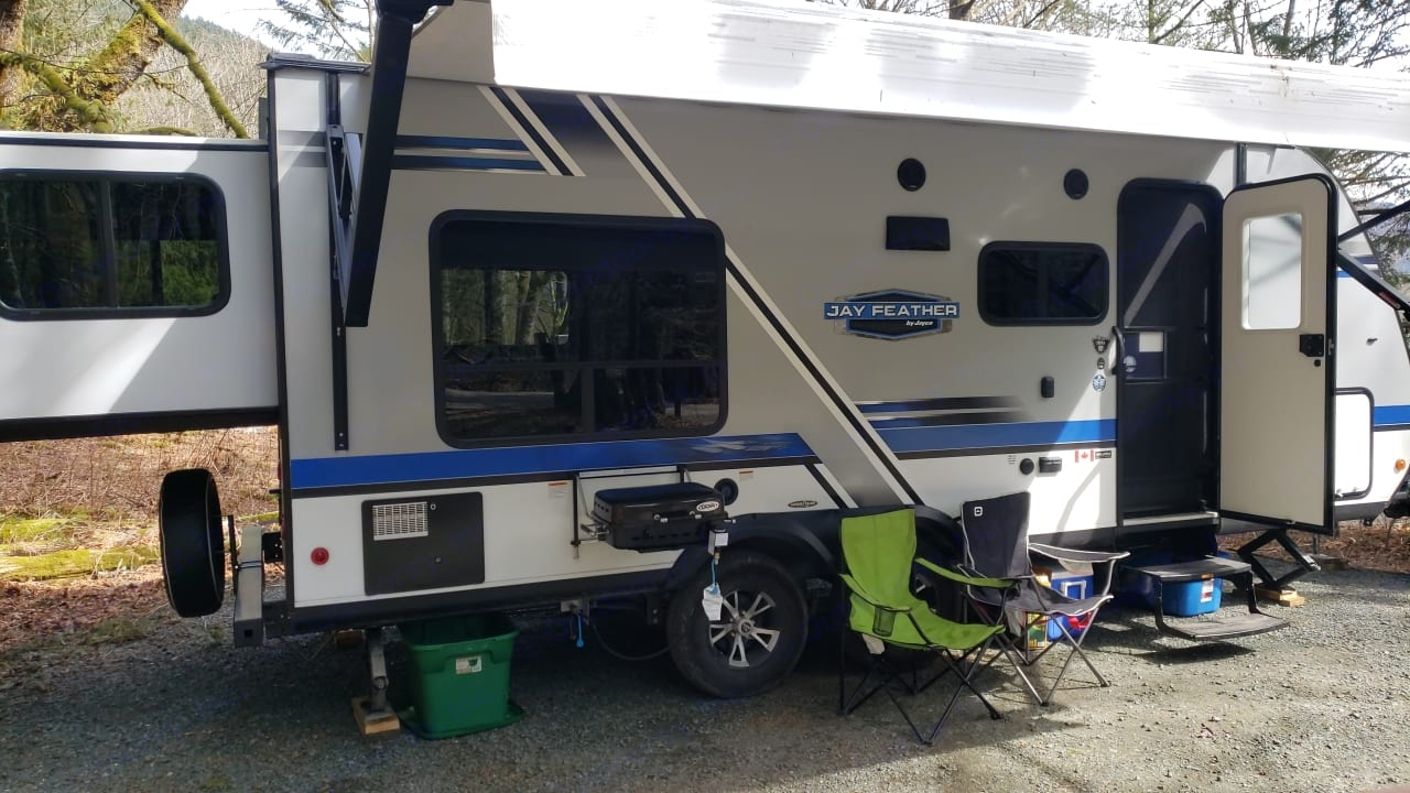 Exterior of trailer. Adjustable awning and Exterior BBQ. Jayco Jay Feather 2017