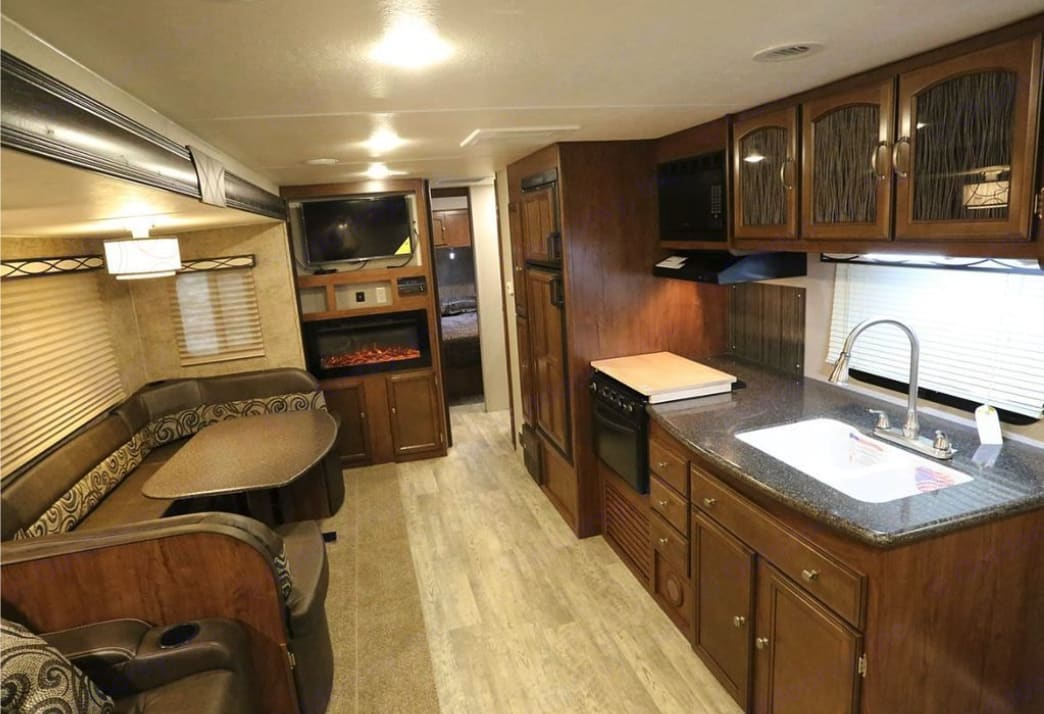 Forest River Freedom Express 281RL 2019