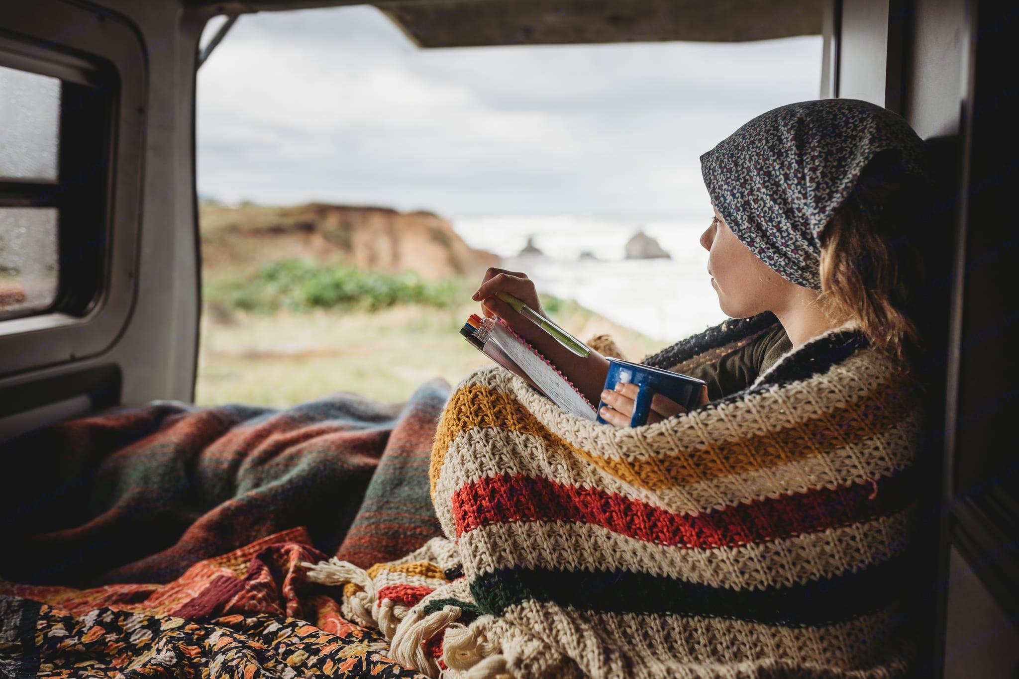 Get cozy in the bottom bunk. . Volkswagen Eurovan Camper 1995